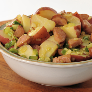 lg 11474 GERMAN POTATO SALAD WITH GRILLED SAUSAGE