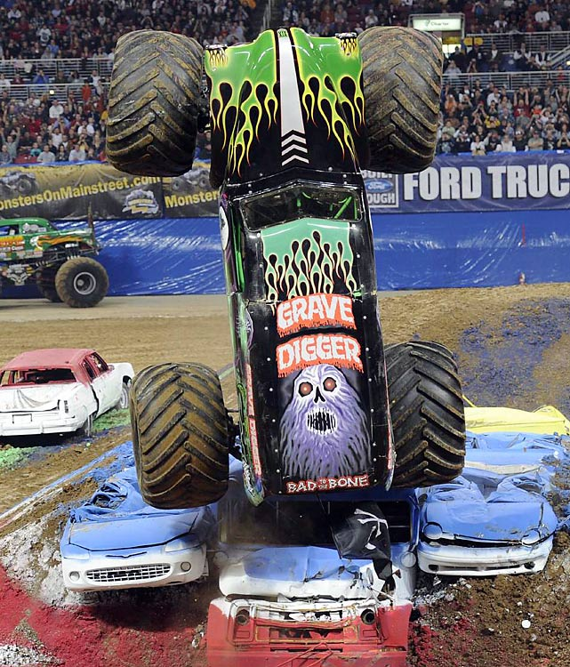 grave Advance Auto Parts Monster Jam comes to The Huntington Center.