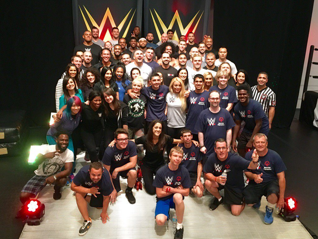 Play Unified WWE